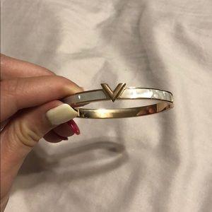 V bracelet